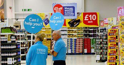 Britische Supermarktkette spendet Lebensmittel an Bedürftige