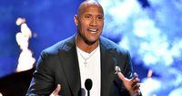 """Dwayne """"The Rock"""" Johnson baut einen Unfall, doch seine Reaktion ist das Beste daran"""