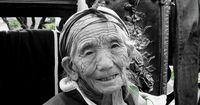 Frau trägt 50 Jahre Fötus in sich