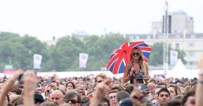 6 Dinge, die nur kleine Mädchen bei Festivals erleben!
