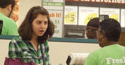 Sie will nur an der Kasse im Supermarkt bezahlen, doch dann passiert das
