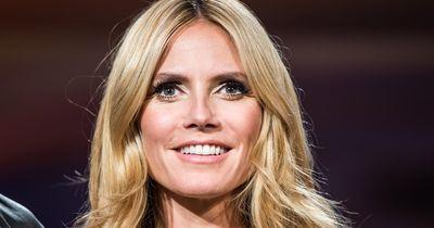 """Heidi Klum zeigt sich jetzt """"oben ohne""""."""