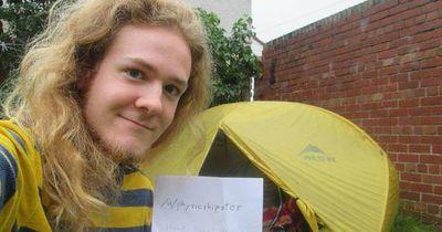 Student lebt im Zelt