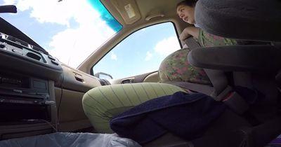 Diese Frau bringt ihr Baby im Auto zur Welt