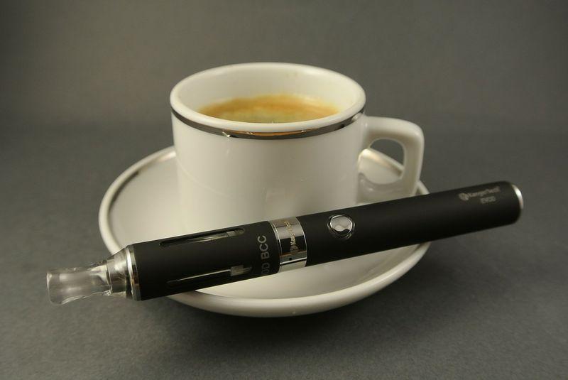 Warum der Griff zur E-Zigarette schlimmer als angenommen ist...