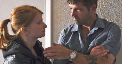 Total beknackt: Bankräuber spielt in Horrorfilm mit