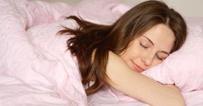 Wissenschaftler bestätigen: Am besten schläft man nackt!