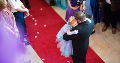 Eltern feiern mit todkranker Tochter unglaubliches Fest