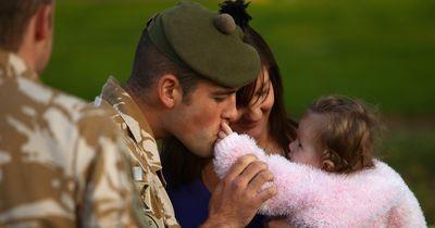 Als ihr Vater zum Militär muss, sagt dieses kleine Mädchen etwas Wundervolles
