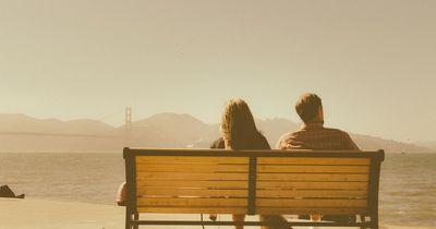 Kein Streit mehr in der Beziehung? 5 Alarmzeichen, die das Aus bedeuten!
