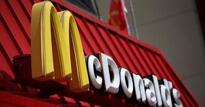 McDonalds-Mitarbeiter rührt das Netz zu Tränen