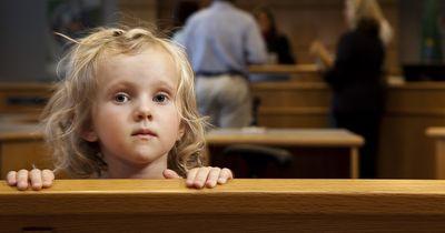 6-Jährige will, dass ihre Eltern sich vertragen – und rührt damit die ganze Welt!