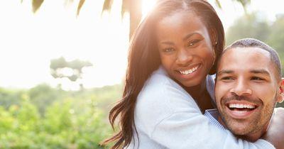 9 peinliche Augenblicke, die jedes Paar garantiert erlebt!