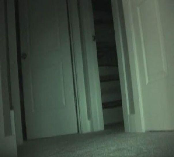 Aus dem Zimmer eines Kindes verschwindet nachts immer wieder Spielzeug!