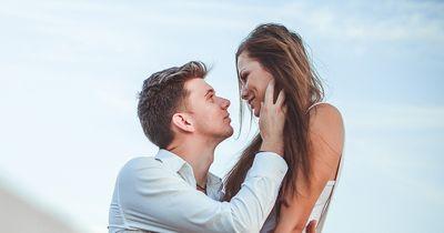 9 Dinge, die ein Mann für eine Beziehung tun kann