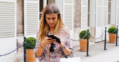 Diese 8 Dinge willst du NICHT auf dem Telefon deiner Liebsten finden!