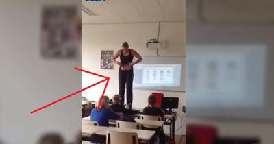 Lehrerin zieht sich nackt vor ihren Schülern aus! Ein Schüler filmt es mit seinem Handy!