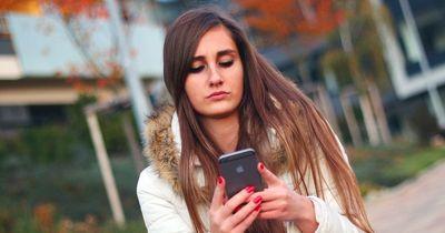 Diese Dinge hasst jedes Mädchen an Jungs auf WhatsApp!