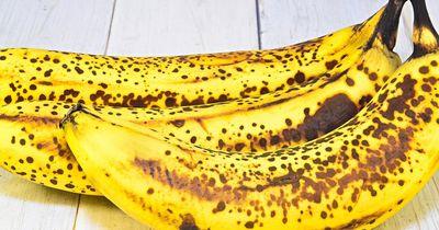 Das passiert mit deinem Körper, wenn du täglich 2 braune Bananen isst