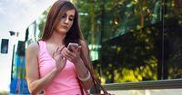 DAS will keine Frau auf dem Handy ihres Partners finden