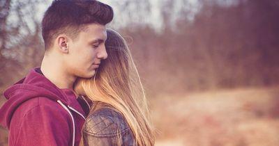 Wenn er diese Dinge tut, ist er wirklich in dich verliebt