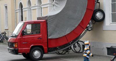 Strafzettel an unechtem Auto, wegen Falschparken