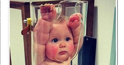 Dieses Gerät hilft dem Baby - auch, wenn es nicht so aussieht...
