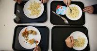 Sie schenkte einem Mädchen ein Mittagessen - dann kam die böse Überraschung