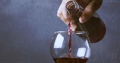 Überraschende Studienergebnisse: Deshalb könnte ein Glas Rotwein der neue Ersatz für Sport sein