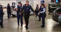 """Diese Polizisten tanzen den """"Running-Man"""""""