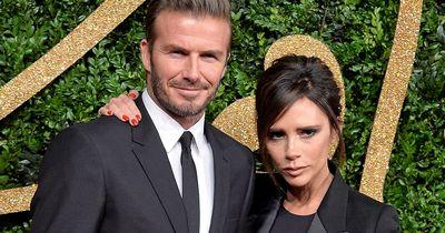 DARUM lächelt Victoria Beckham nie