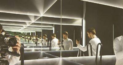 Rätsel: Wie oft siehst Du Dich im Spiegelraum?