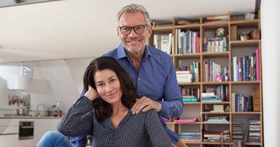 So stark beeinflusst die Beziehung deiner Eltern dein Liebesleben