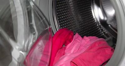 Deshalb solltet ihr Essig in eure Waschmaschine kippen