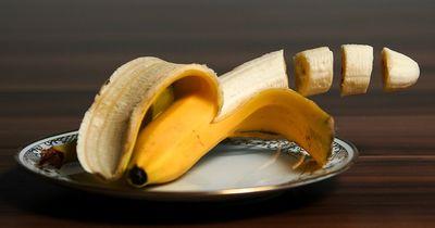 Deswegen solltest du deine Bananenschale nie wegwerfen