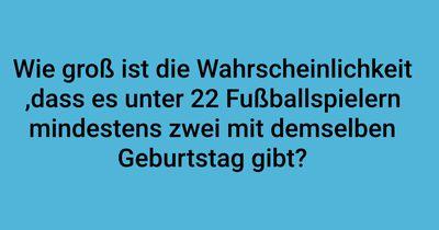22 Fußballspieler