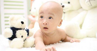 Gehörloses Baby hört nach 3 Monaten zum ersten Mal die Stimme der Mutter